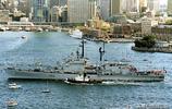 """二戰後意大利建造的""""安多利亞多利亞""""級直升機巡洋艦"""