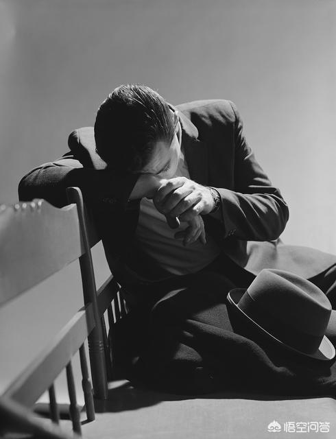 人到中年,厭倦了工作,懶得社交,還只能忍著去上班,該怎麼辦?
