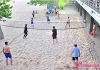激情澎湃 沙灘排球扮靚青島海水浴場