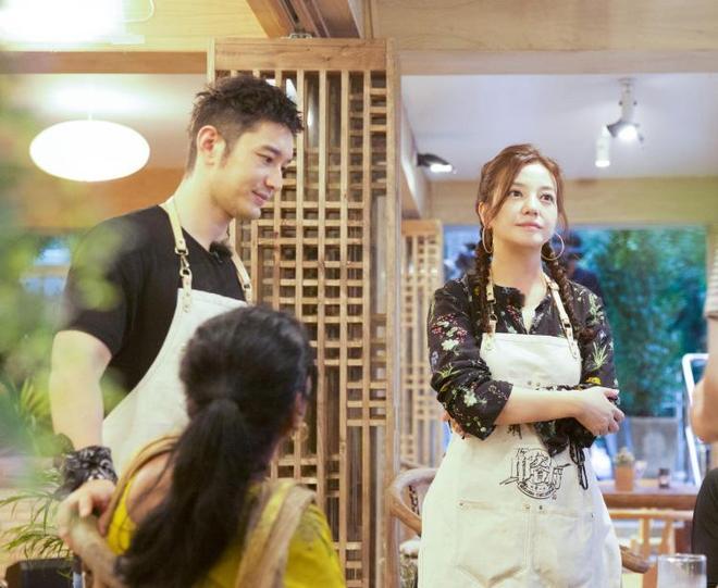 黃曉明喜歡趙薇10來年還一起上中餐廳,網友:baby會吃醋嗎