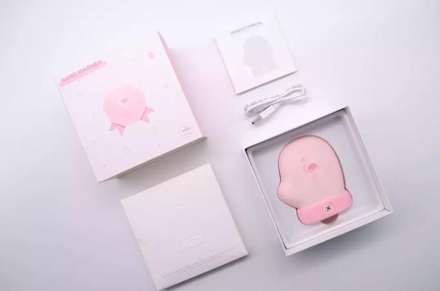 美到冒泡的小手套暖手寶,兩檔溫控、安全發熱,還能給手機充電!