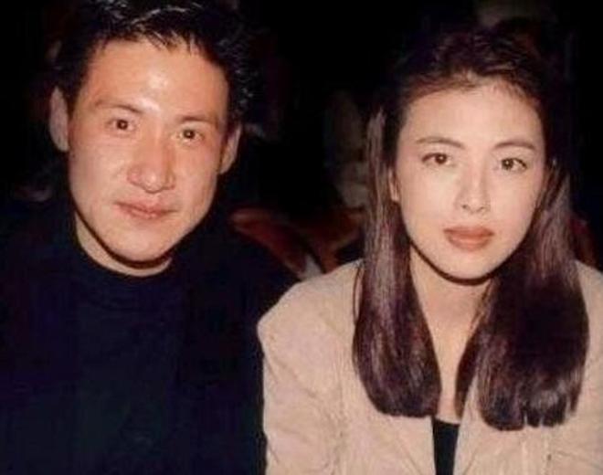 顏值力壓王祖賢與周慧敏,原來歌神張學友老婆這麼美