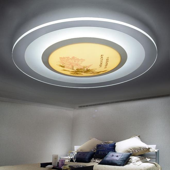 新家裝修吊燈還是吸頂燈?今年流行超薄吸頂燈,裝在客廳更顯大氣