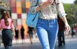 牛仔九分褲搭配繡花長袖,讓你冬季溫暖又美麗!