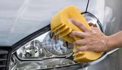很多人保養車子只換機油,笨!修車師傅:不保養這些部位會很危險