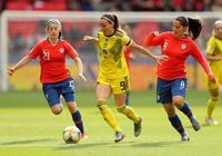 女足世界盃出現意外!比賽踢到72分鐘被叫停 現場球迷淡定玩手機