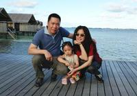 趙薇7歲女兒,小四月一雙圓溜溜大眼睛,太可愛了!