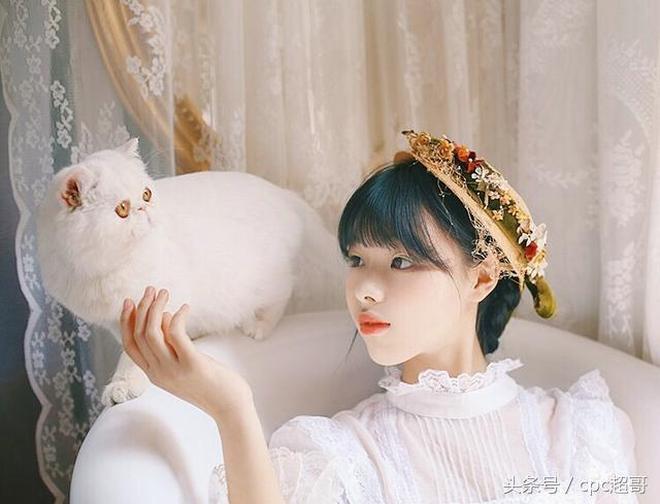 加菲貓和潔白洛麗塔少女寫真