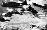 日本隨軍記者拍攝下的偷襲珍珠港,一片火海生靈塗炭!