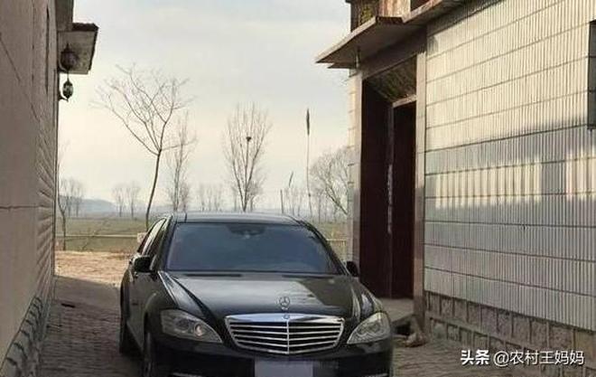 農村人現在流行買豪車,5年後有啥變化,網友:朋友都絕交了