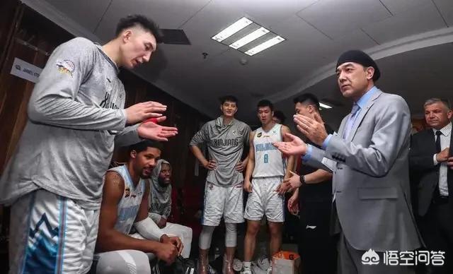 新疆4-1淘汰遼寧隊後,新疆隊答謝球迷發福利,邀請球迷免費喝啤酒,對此你怎麼看?