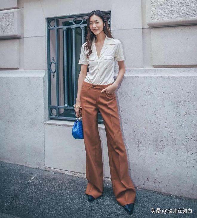 矮個子女生穿九分闊腿褲真是逆天搭配,明星街拍必備,顯高還清涼