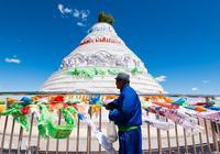 我們遺忘的五月十三雨,是蒙古族盛大的祭敖包日,祈雨、祭天地