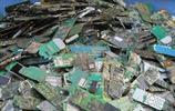 那些被回收過來的舊手機到底是做什麼用的?看完這組照片就知道了