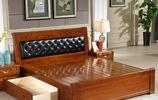 傳統的雙人床過時了,當下流行水曲柳實木床,結實環保又健康
