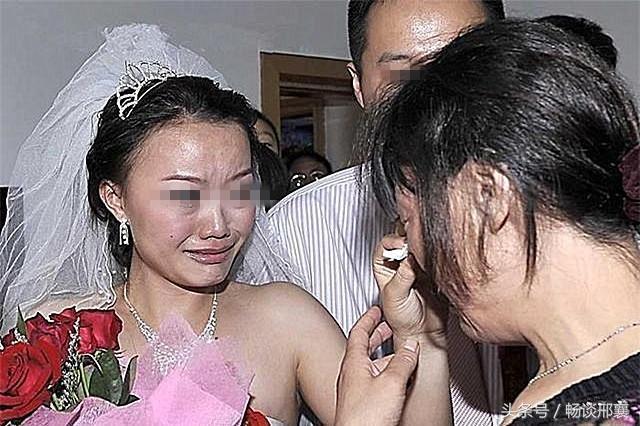 前夫,女兒出嫁與你無關,請拿走你的20萬嫁妝,她後爸不差這點錢