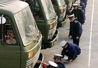 看看中國部隊軍車是如何停放的,現在知道中國軍人為啥這麼牛了吧