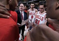 NBA常規賽:公牛新帥也無力挽救球隊,韋德無奈,熱火主場告負