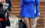 女星貝拉·索恩現身洛杉磯街頭,她看起來有一點酷