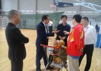 安慶市教體局看望手球集訓隊