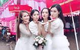越南女演員罕見發佈家人超美照片,網友發現其23歲的弟媳顏值更高