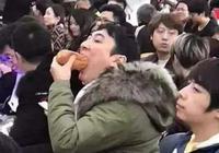 王思聰吃熱狗圖片出新高度,不少車主也在用,王健林我也沒辦法了