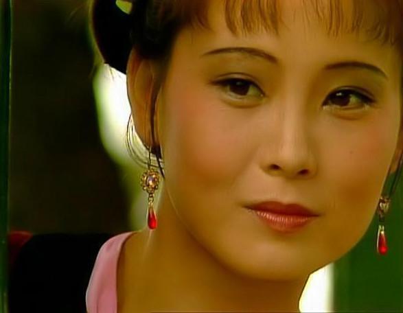 """紅樓夢:王熙鳳聽到名字帶""""玉""""為何會一皺眉,直說討人嫌得很?"""