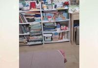 寶媽在網上晒孩子的書架,網友:看這麼多書對寶寶好嗎?