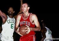 評選NBA歷史上10大籃板王:霍華德第7,馬龍第4,第1是他