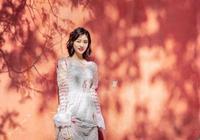 同一件衣服,楊紫和沈月你覺得誰穿得更好看