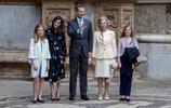 西班牙王室出席復活節彌撒 兩公主超高顏值搶走王后風頭