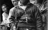 老照片:清朝末年精銳部隊罕見照,圖3帶劍的士兵,頗具大俠風範