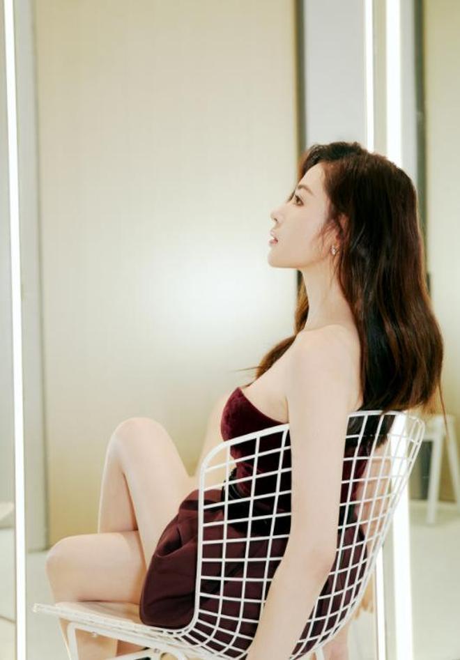張天愛 時尚優雅,大長腿驚豔,稍帶小性感,簡直太美了