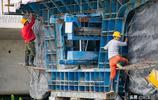 包吃住平均月薪五千元,修建高鐵的年輕人四個月回家與親人聚一回