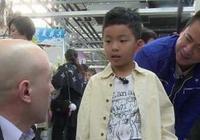 王中磊兒子學鋼琴手型不對被打,王中磊給出的解釋讓人笑噴了!
