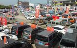 湖北宜昌:二手車市場 待售的二手車琳琅滿目