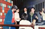 再投5000萬回饋母校,傑出校友馬雲的老照片亮了
