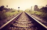 旅遊隨拍圖集:夕陽中的鐵軌,是文藝青年記憶年代的化石