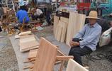 用香椿木製作的桌子,在大集上賣450元,到底值不值?