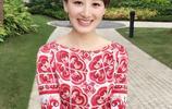郭曉敏,不愧為《一站到底》的女主持人,穿衣搭配起來就是漂亮