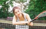 網球女神,美女一席白色運動裝,網球約嗎?