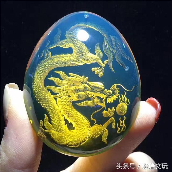 藍珀陰雕,游龍戲珠,高藍品質,純手工雕刻,34.39克
