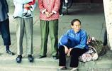 一組70年代的中國老照片:軍裝是當時最帥的衣服,圖五讓人不齒