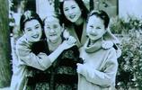 12位女明星,與家人在一起的老照片,記錄了幸福溫馨的記憶