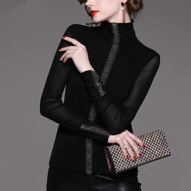 """黑色網紗的誘惑!尤其這幾款""""加絨""""小衫,更洋氣更保暖更迷人"""