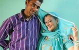 美國41歲夜店女子遠嫁25歲印度小夥,成為農村媳婦,出行靠牛車