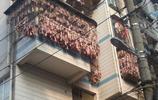 小區鄰居晾晒臘肉,想吃又太費事,找到一家臘肉鋪,好吃又實惠