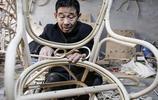 山東5旬大哥老手藝30年,一天做七八個掙300元,有手藝在哪都掙錢