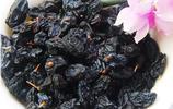 黑加侖葡萄乾原來不是用黑加侖晾晒而成的,我是今天才知道呢