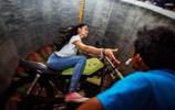 雜技女孩鐵桶中上演死亡飛車,擁有超越同齡人的勇氣
